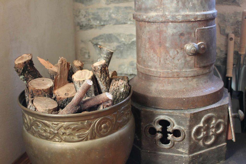Wood burning stove in Orah